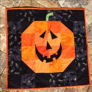 Mini Halloween quilt