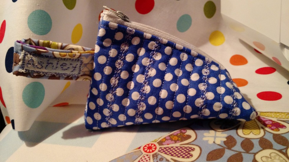 Triangle Quilted Zipper Pouch