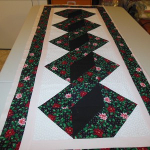 Christmas Pole Twister Table Topper