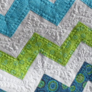 Chevron quilt using HSTs
