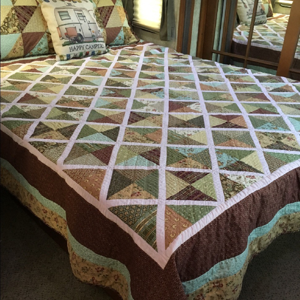 Lattice Queen Size Quilt
