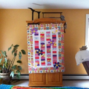 Baby Coin Quilt with Applique