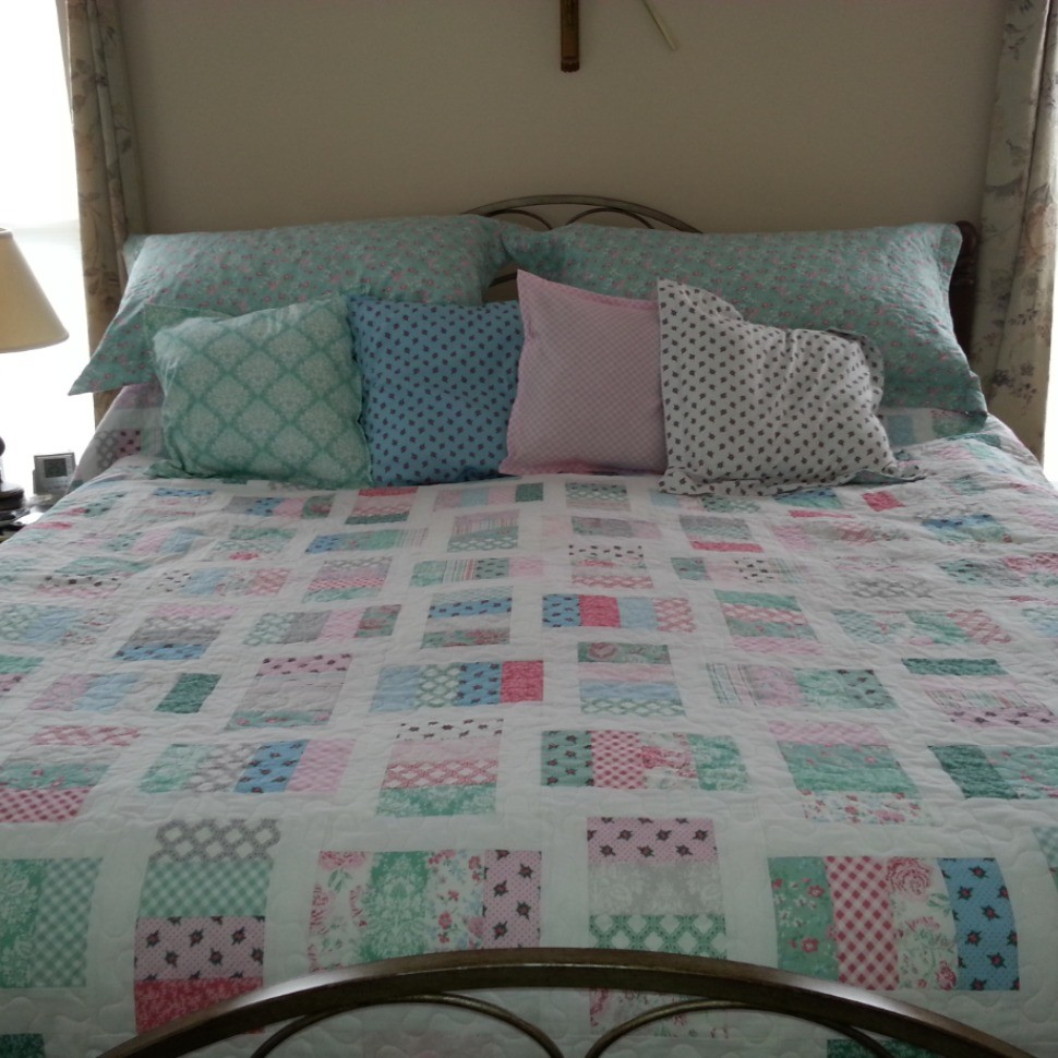 KIng-sized Shabby Cottage Quilt