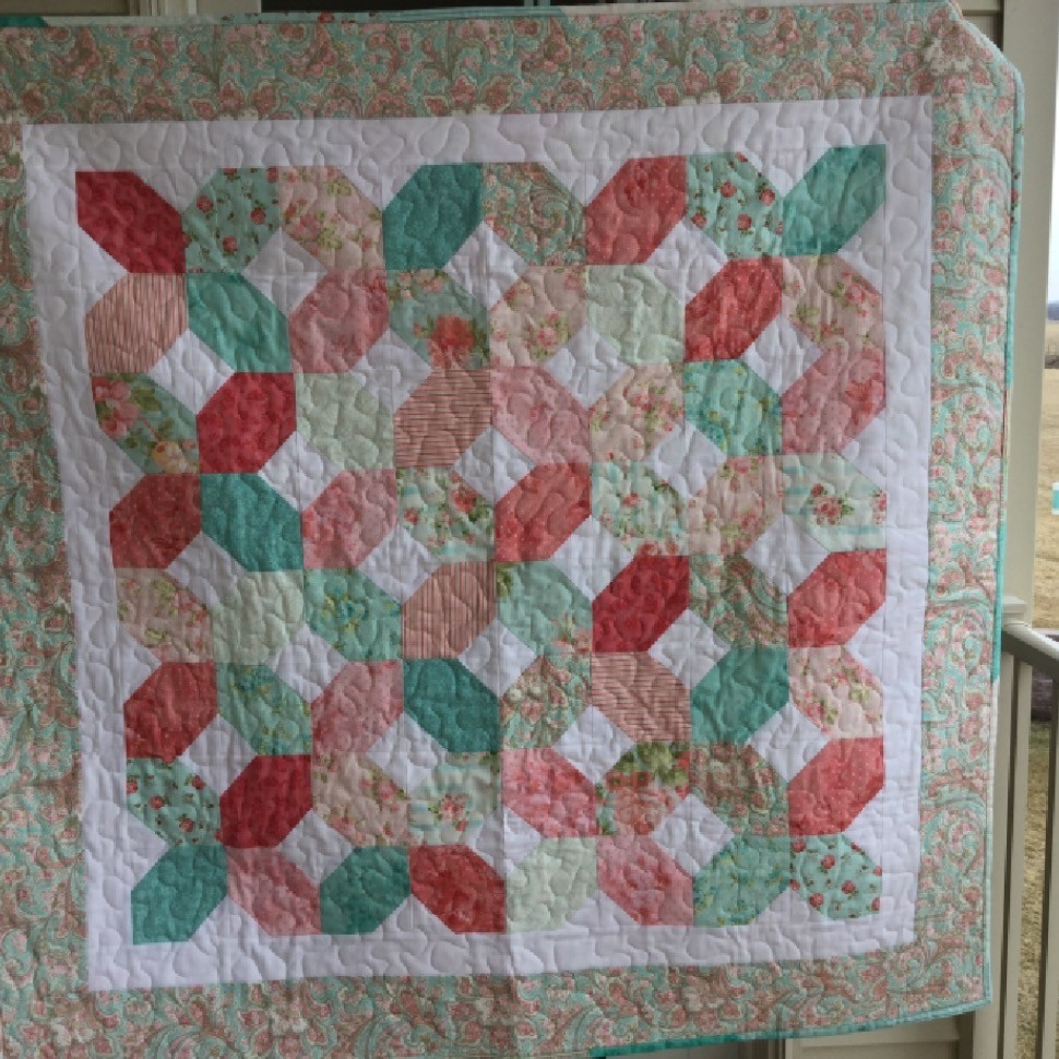 HUGS AND KISSES BABY QUILT