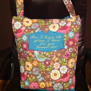 Quilted tote bag for quilt