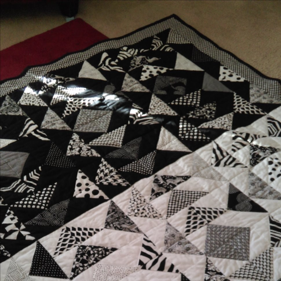 Black & White Flying Geese Quilt
