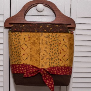 Tote bag with wooden handles